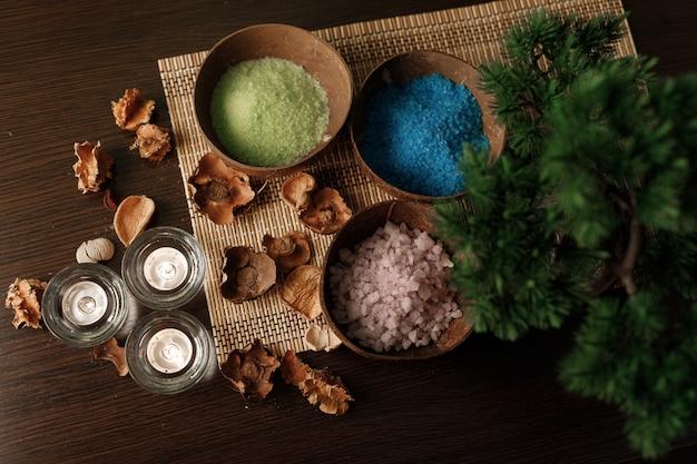 Poeders die worden gebruikt voor een professionele balinese massage