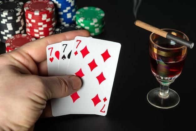 Pokerkaarten three of a kind of setcombinatie