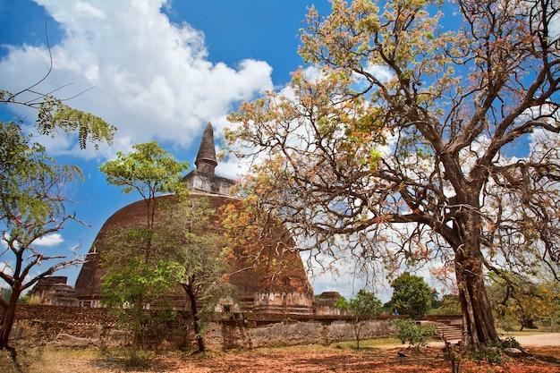 Polonnaruwa, historische en religieuze monumenten van sri lanka