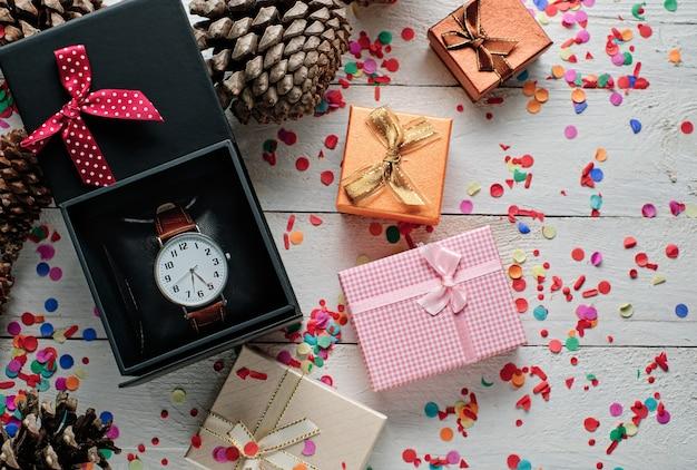 Polshorloge en kerstgeschenkdozen