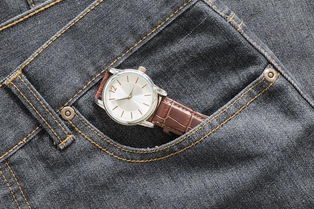 Polshorloge in denim jeanszak