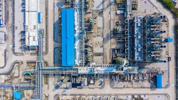 Polyethyleenfabriek in het industriële park, luchtfoto polyethyleenindustrie.