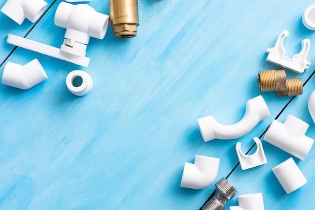 Polypropyleen adapters, koppelingen, kleppen en kranen voor het watervoorzieningssysteem