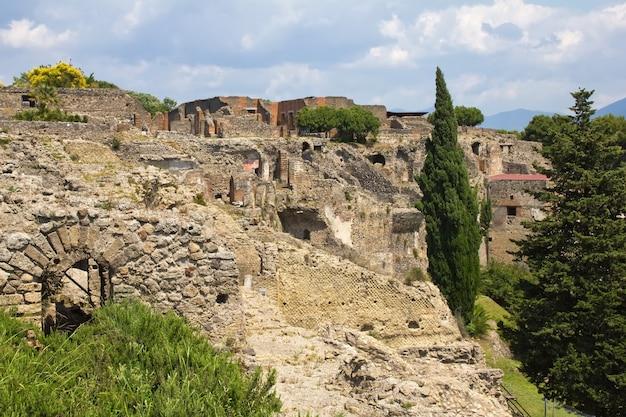 Pompeii, romeinse ruïnes in napels, italië, bij rotts van vesuvio