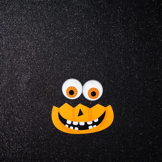 Pompoen met ogen voor halloween-nacht