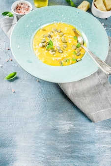 Pompoen parmezaanse soep