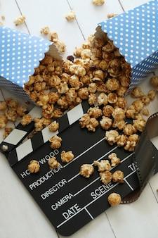 Popcorn en klembord