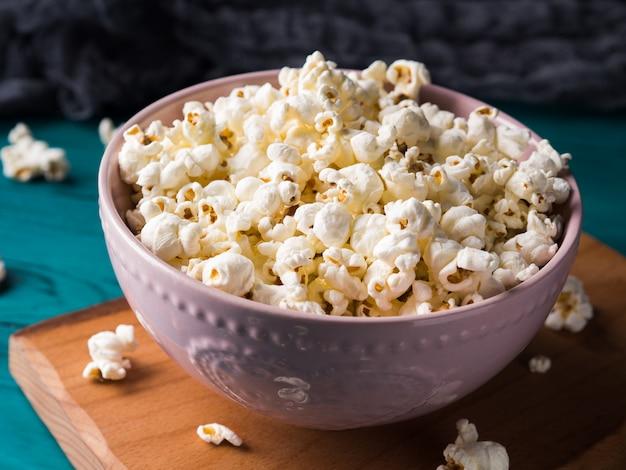 Popcorn in kom