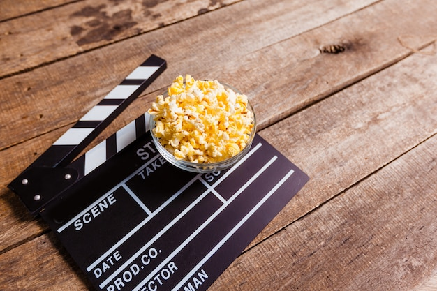 Popcorndoos met kleppenbord