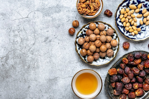 Populair eten tijdens de iftar-moslimvakantie van de heilige maand ramadan