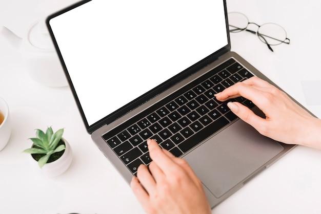 Pormotionele verkoop online op zwarte vrijdag