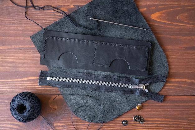 Portemonnee naaien, visitekaartjeshouders van echt leer. handgemaakt product.