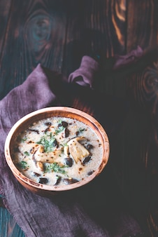 Portie romige champignonsoep