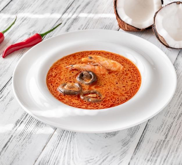 Portie tom yum-soep