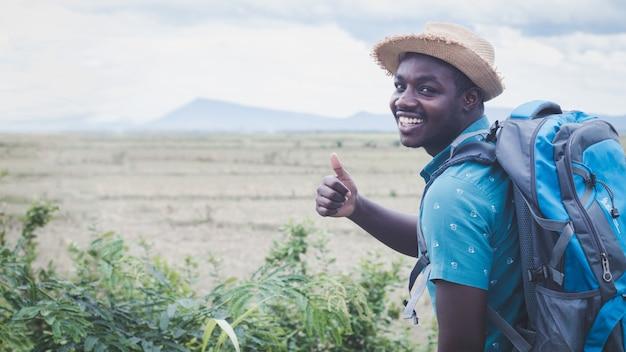 Portret afrikaanse reiziger man