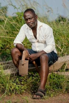Portret afrikaanse senior man