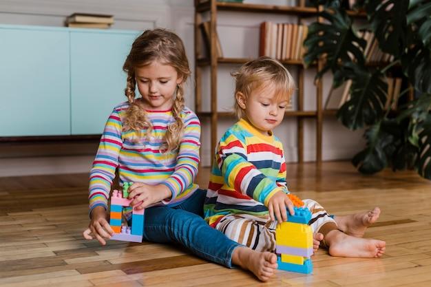 Portret kinderen spelen