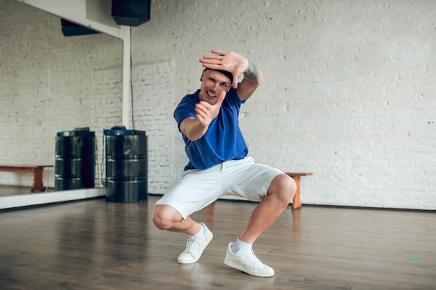Portret man dansen
