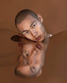 Portret man met beeld vervorming