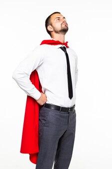 Portret van aardige aantrekkelijke zakenman die heldere mantel draagt