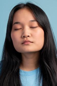 Portret van aziatisch tienermeisje