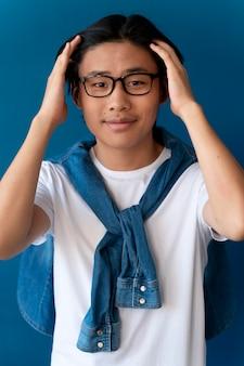 Portret van aziatische tienerjongen