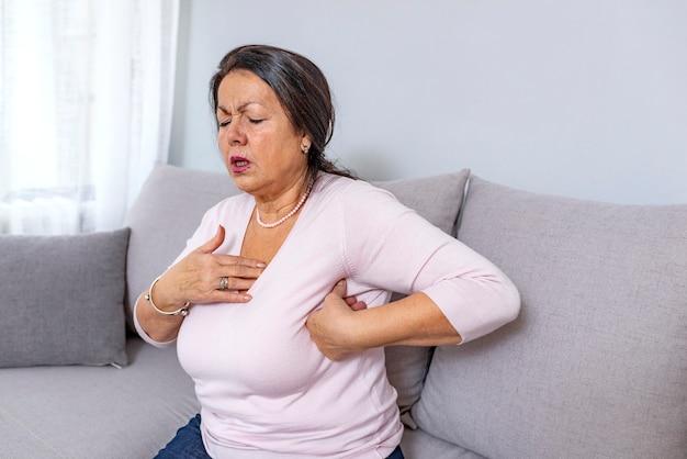 Portret van bejaarde die hartaanval heeft