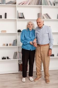 Portret van bejaarde echtpaar samen