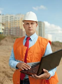 Portret van bouwer werkt