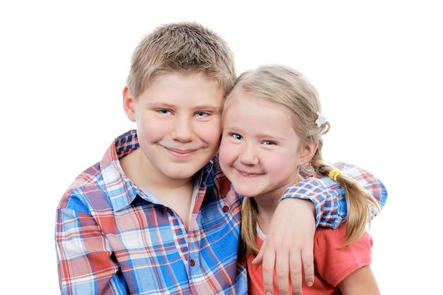 Portret van broer en zus in studio