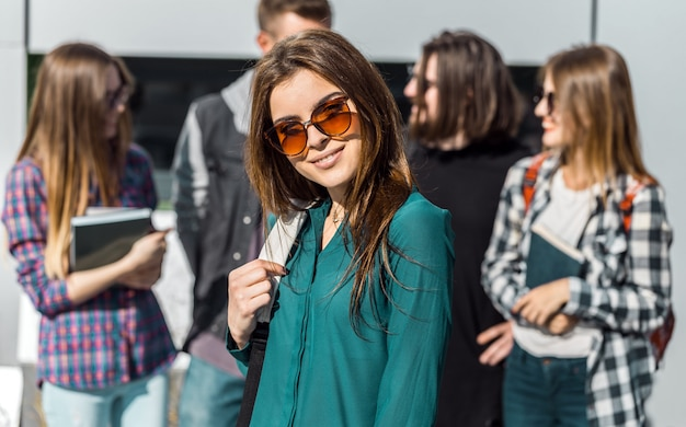 Portret van brunette student meisje