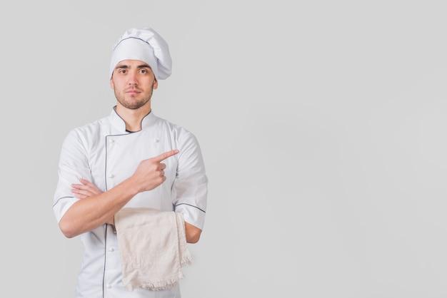 Portret van chef-kok presenteert copyspace