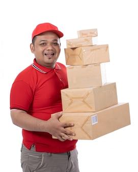 Portret van de dozen van de de glimlachholding van de leveringsmens