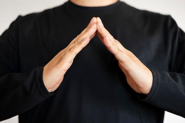 Portret van de gebarentaal van het tolkonderwijs
