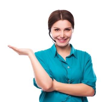 Portret van de gelukkige glimlachende vrolijke jonge exploitant van de steuntelefoon
