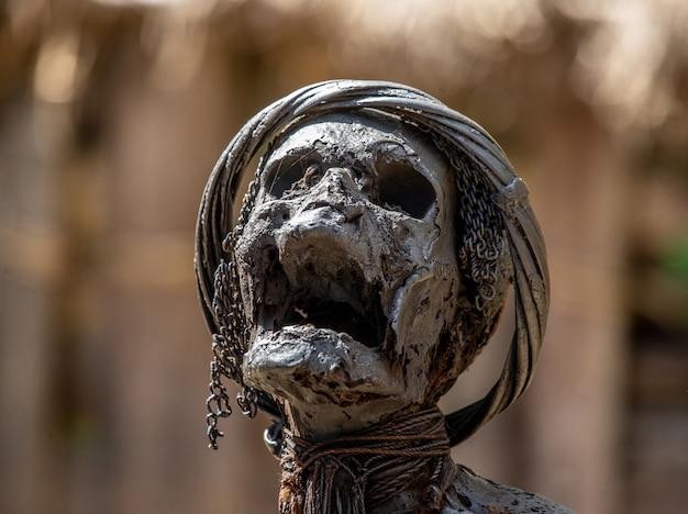 Portret van de heilige mummie van het dorp van de dani-stam.