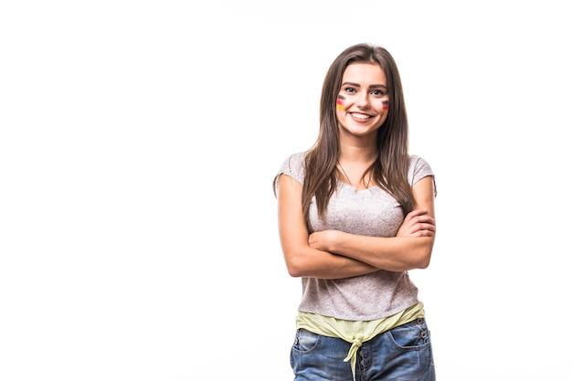 Portret van duitsland vrouw voetbal fan ondersteuning duitsland nationale team op witte achtergrond. voetbalfans concept.