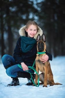 Portret van een eigenaar en een herder