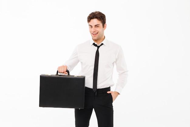 Portret van een gelukkige knappe zakenman