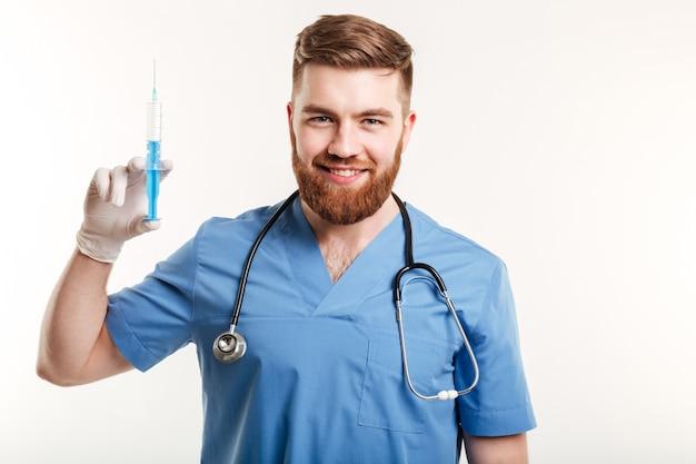 Portret van een glimlachende gelukkig arts of verpleegkundige