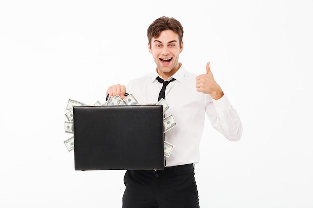 Portret van een glimlachende vrolijke zakenman