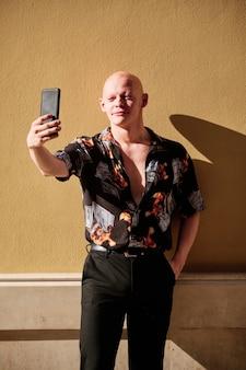 Portret van een kale man - zakenman concept