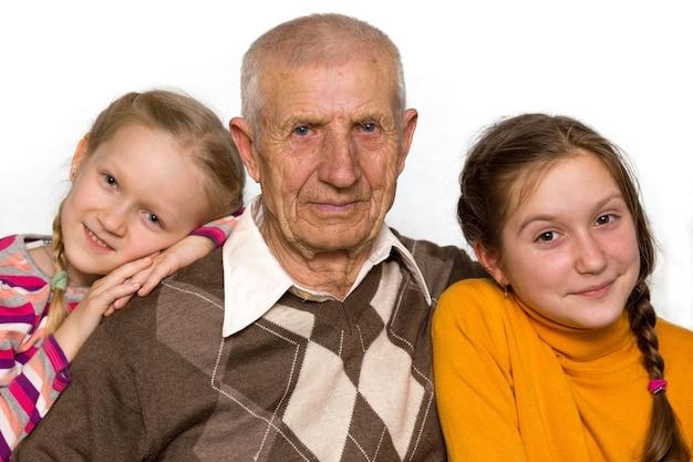 Portret van een kleindochter en grootvaders, close-up