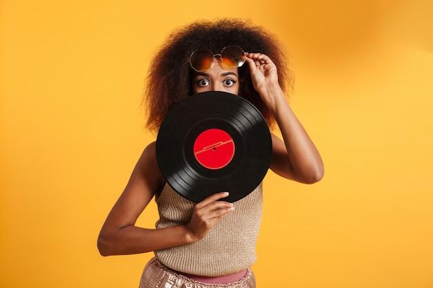 Portret van een mooie afro-amerikaanse vrouw