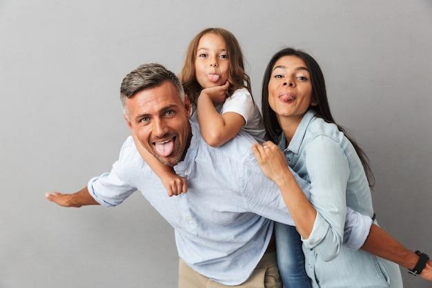 Portret van een opgewonden gezin