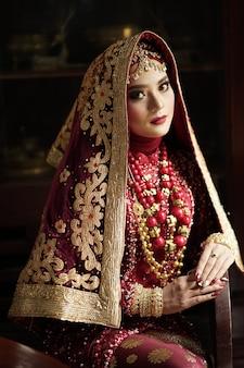 Portret van een prachtige indiase bruid
