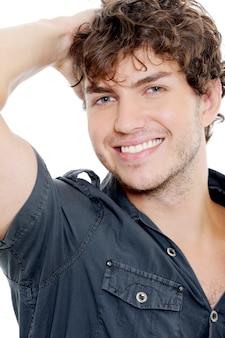 Portret van een sexy man met brede glimlach