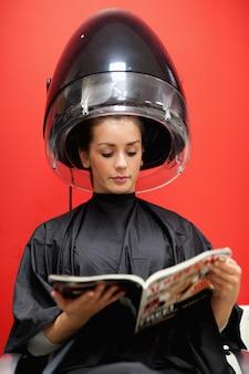 Portret van een student onder een kapper