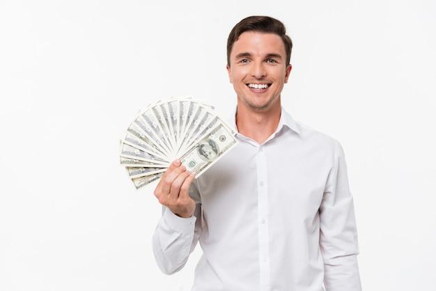 Portret van een tevreden succesvolle man