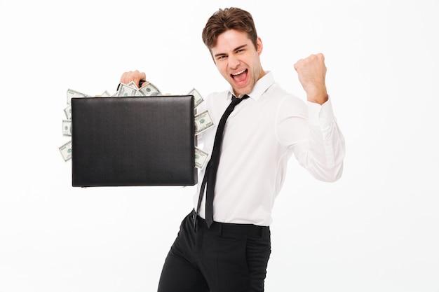 Portret van een vrolijke tevreden zakenman